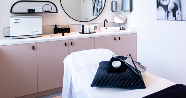 A State By State Guide To Beauty Salon Restrictions | Harper's BAZAAR Australia
